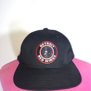 e436bd7a7c7 detroit red wings Accessories - Vintage 90s Detroit Red Wings snapback hat
